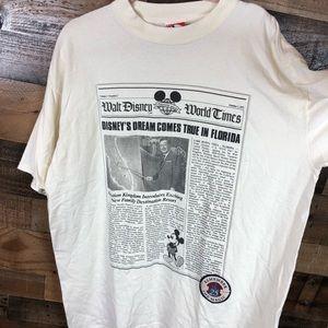 Walt Disney world vintage t-shirt